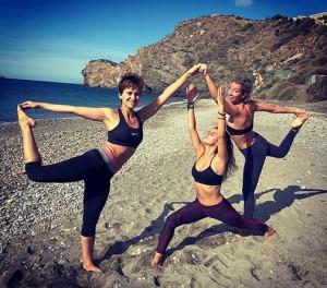 Puente de 1º Mayo Recupera tu Energía Vital con Yoga y Nutrición en Playa de la Joya