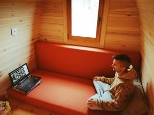 Mi experiencia de un retiro de meditación online