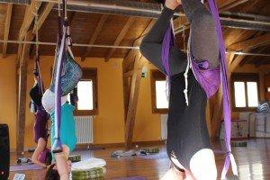 Yoga Aéreo a los pies del Parque natural de Izki